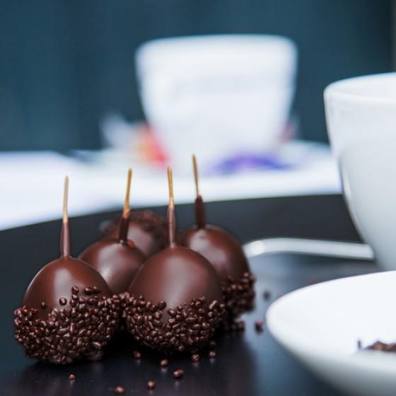 Cerezas rellenas de armagnac y recubiertas con chocolate negro 110 g